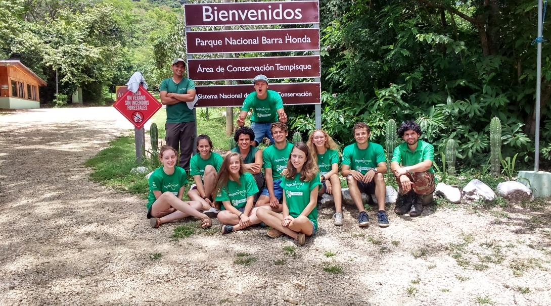 A group photo during Conservation volunteering in Costa Rica for teenagers.